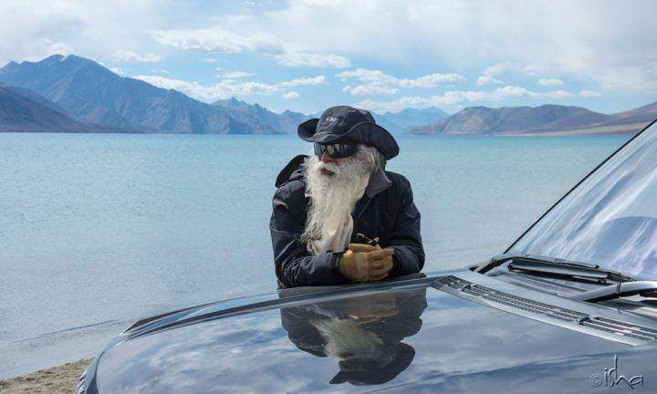 Sadhguru makes a quick stop on his way to the Border Security Force from Leh to Siachen on International Yoga Day | Living a Warrior's Life