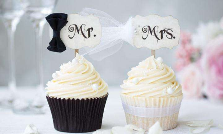 bride-groom-cupcakes