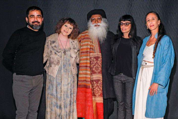 Sadhguru with designers, Sabyasachi Mukherjee, Norma Kamali, Mimi Prober, Mara Hoffman at New York Fashion Week Feb 12-13, 2019 | Sadhguru on the Sustainability of Indian Textiles