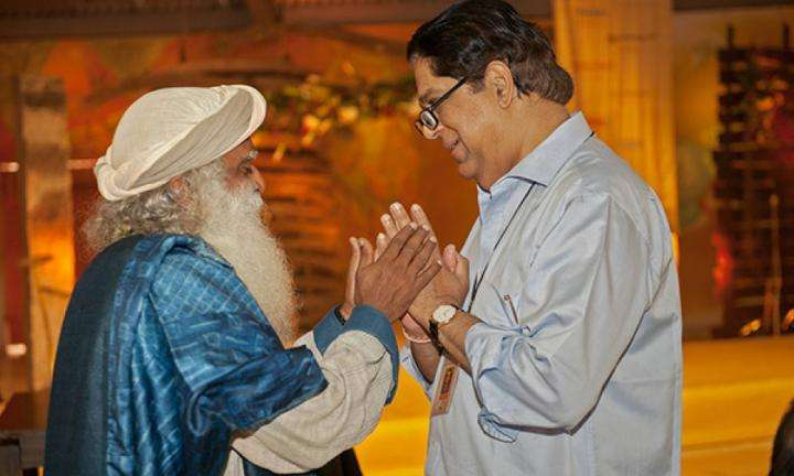 insight-qa-sadhguru-and-kv-kamath-on-creating-leaders
