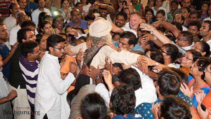 Sadhguru at the conclusion of 1 day program at Singapore - What is Romance? Having a Million Love Affairs