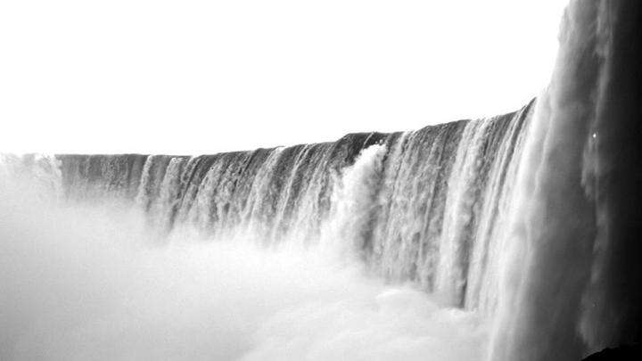 The Niagara Falls - Life as a Flood