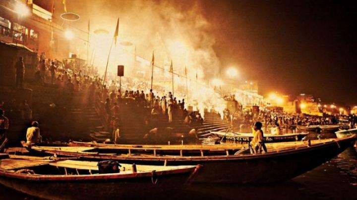 Cremation at Manikarnika Ghat, Varanasi - Why do we die?