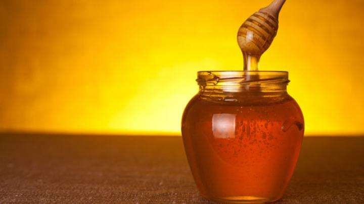 8 Health Benefits of Honey and 9 Uses of Honey