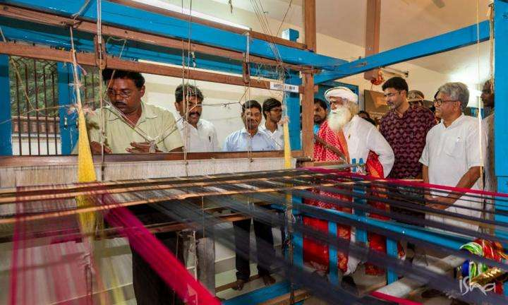 Sadhguru watching the Pochampally Weavers Weaving | Saving India's Incredible Weaves