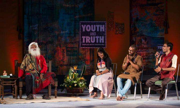 Sadhguru at BHU, Varanasi – Youth and Truth [Full Talk]